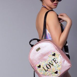 """✨Betsey Johnson """"Love at first sight"""" backpack✨"""